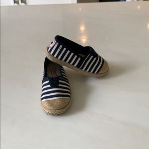 Other - In great condition Cienta espadrilles